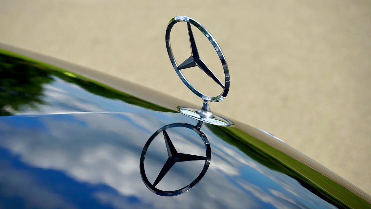 Logotip avto